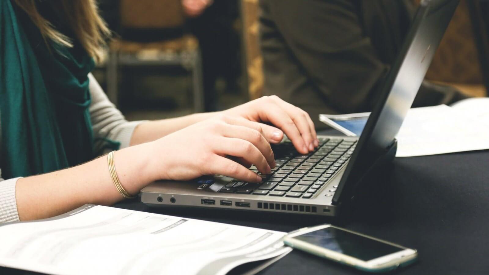 paperless working laptop